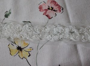 """Chiffon Rose 3D Lace Trim 2 Rows White Flowers Rosette on Mesh 1.2"""" Wide 1 Yd"""