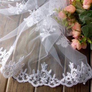 "Beautiful Lace Trim Embroidered Flowers 27.6"" Wide 0.55 yds Fast Shipping"