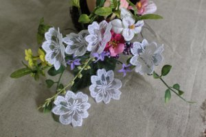 Fabulous White Embroidered Flowers on Mesh Appliques Patches 6 pcs Fast Shipping