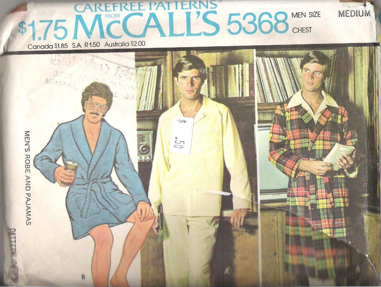 McCalls 5368 (1976) Pattern Mens Robe Pajamas Partially Cut  Size Medium