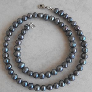 Pearl Necklace (Metalic Peacock)