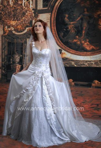 Anne Queen Bridal Wedding Gown