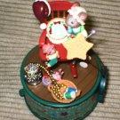 Enesco It Seems Like Christmas Siute Petites  Mini Action Musical  1996 #178179