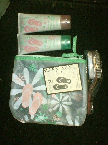 Mary Kay 4 Piece Pedicure Set - cosmetic Bag, Foot Soak, Foot Balm, P. Brush