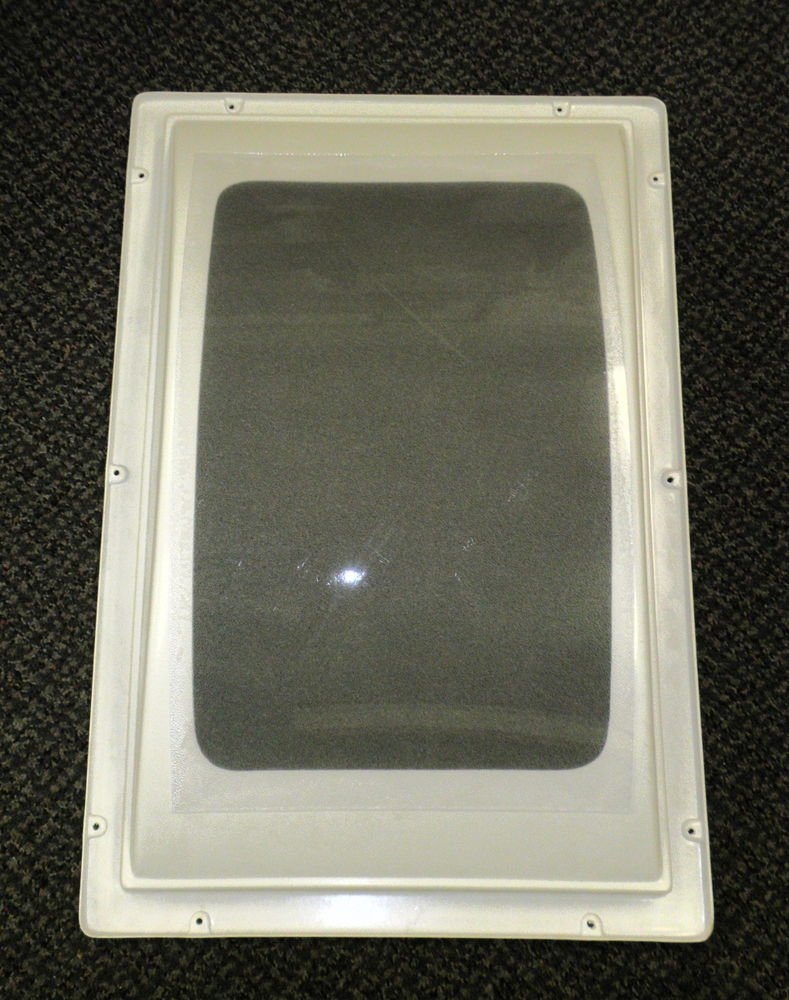 "INR RV Off White Domed Skylight   Size: 13 1/2"" X 21 1/4"""