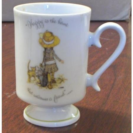 1973 Holly Hobbie pedestal mug~Happy is the Home
