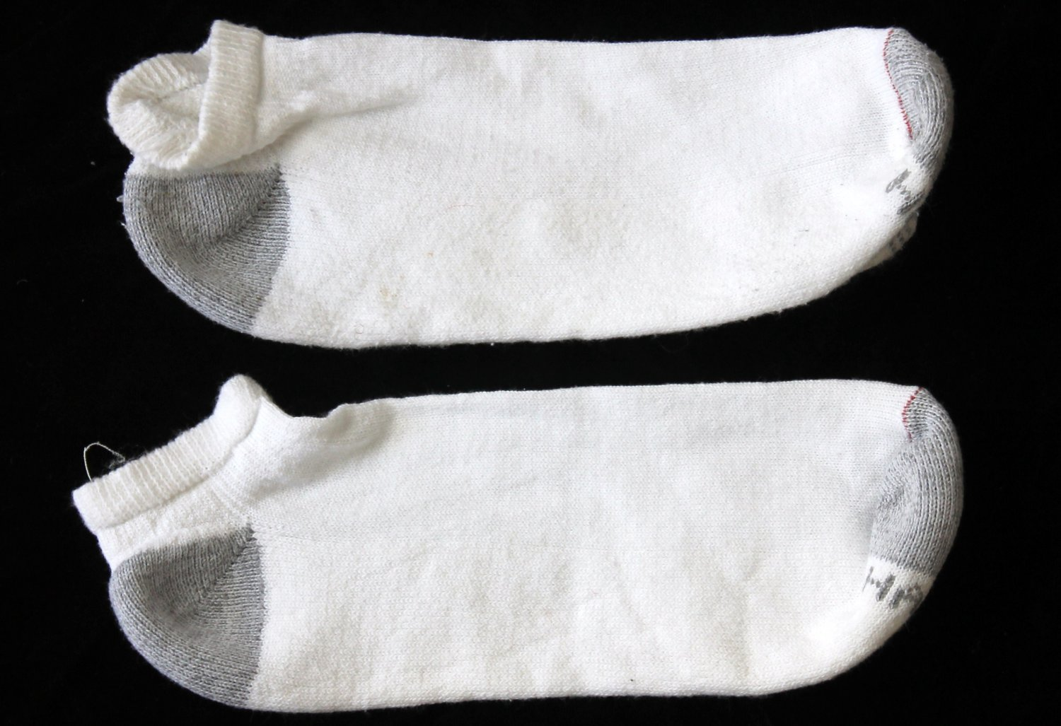 Hanes Men's Used White W/Gray Heel Below Ankle Socks Large 10-12
