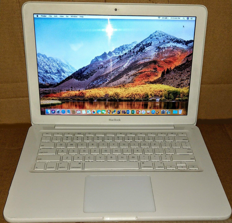 MacBook 13, White, 2.4GHz, 4GB, 500GB, iLife '19, 10.13 High-Sierra, MC516LL/A