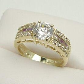 Luxuriously 14kt GOLD GENUINE AMETHYST RING
