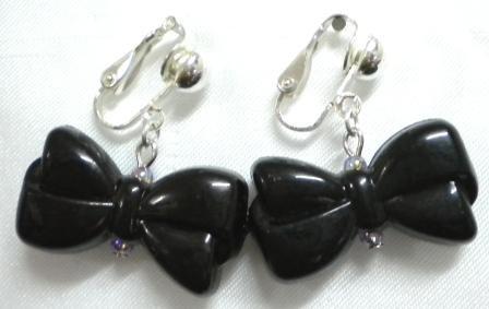 Black bow clip on earring