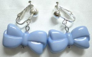 Blue bow clip on earring