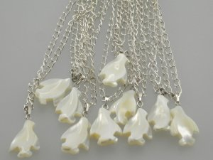 MOP Mother of pearl penguin pendant necklace party gift 1pc