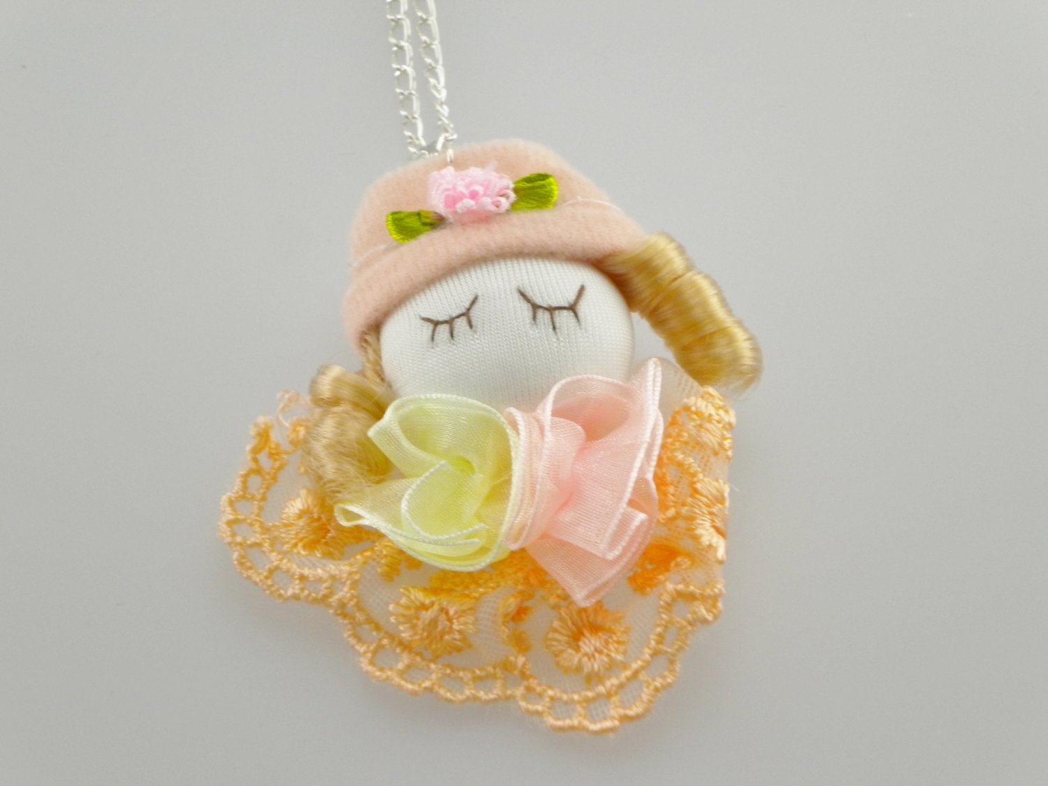 Girl Jewelry Pinky Lace ribbon dolly pendant necklace
