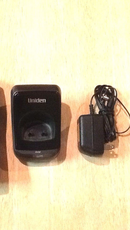 Uniden TCX905 remote charger base w/PSU = phone tru9485 tru9488 tru9466 tru9496