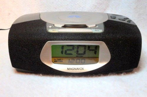 Magnavox dual ALARM CLOCK model MCR220BK 17 radio tuner receiver CD player AM FM