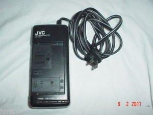 JVC AA V11U - camcorder battery power charger adapter supply GR AX910U GR AX720U