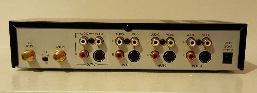RCA CRF940 audio video switcher selector TV VHS Camcorder DVD Switch S-Video VCR