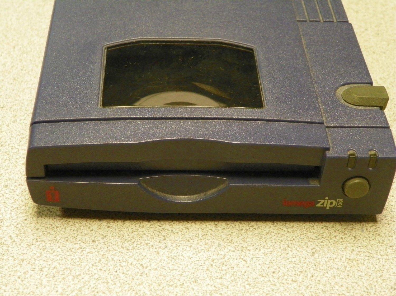 No PSU - Iomega Zip (solid blue) External Drive Z 100 P2 PC MAC MB parallel port