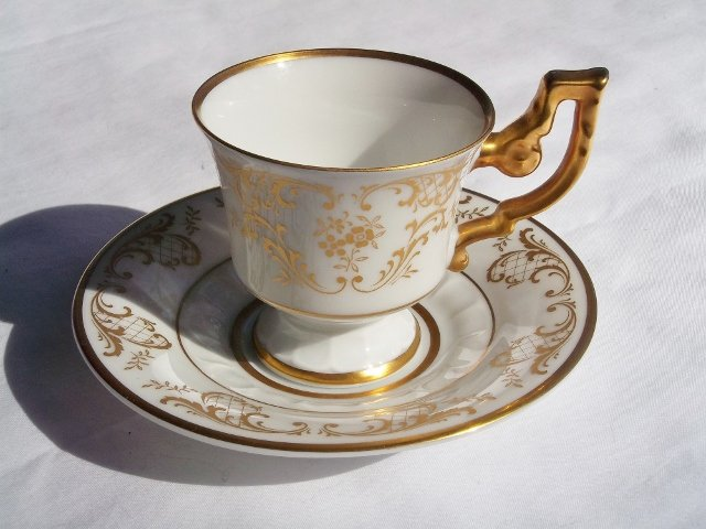 H & CO. SELB, BAVARIA, GERMANY �Heinrich� FINE BONE CHINA DEMITASSE CUP AND SAUCER