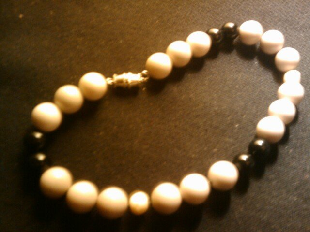 """handcrafted 9"""" simple but classy fashion anklet"""
