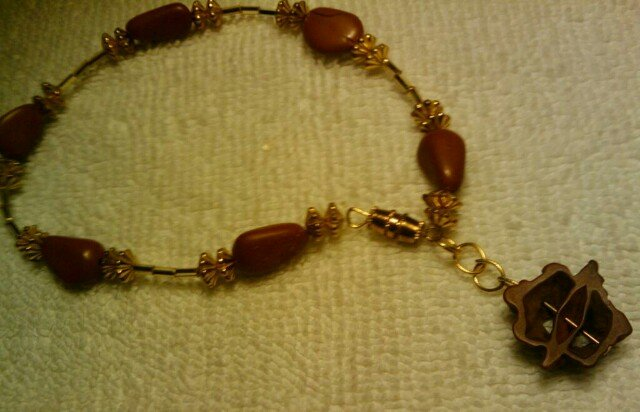 "Walnut handcrafted 10"" fashion anklet"