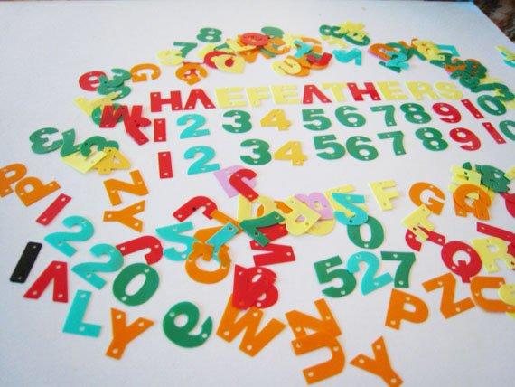 50 pcs Random Metallic Colorful Alphablet & Number Shape Plated Plastic