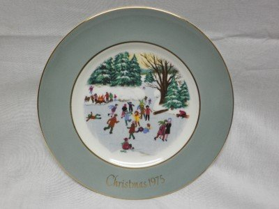 """1975 AVON Christmas Plate Series Fourth Edition """"Skaters on The Pond"""""""