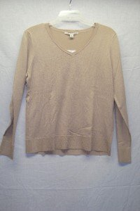 CAROLYN TAYLOR Tan Button V-Neck Sweater SZ M,NI