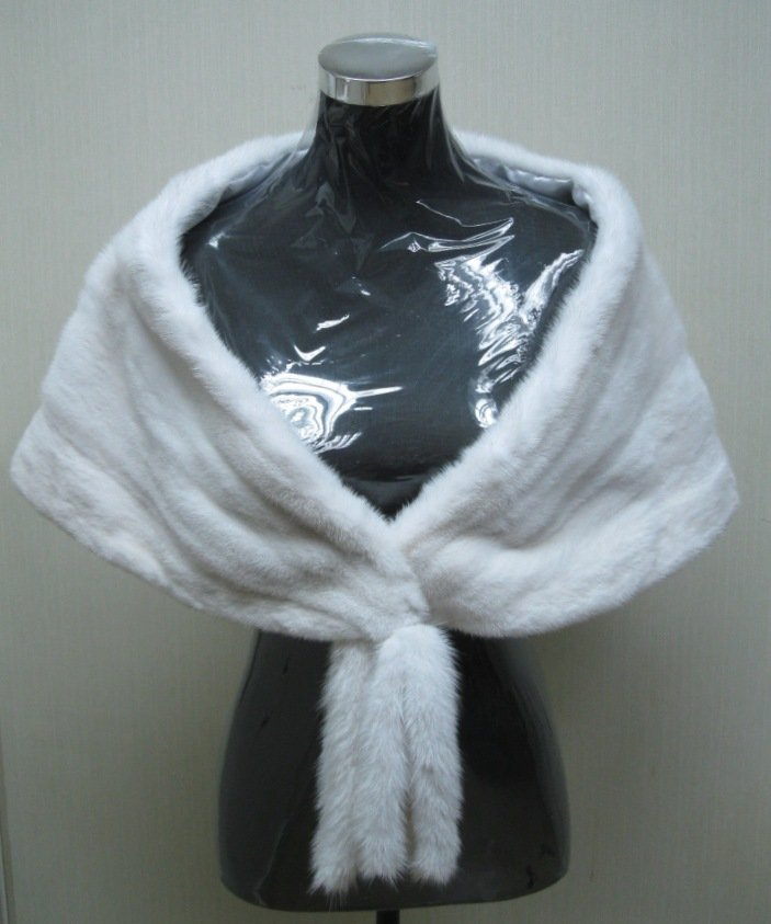 LADIES WHITE MINK SCARF/WRAP WITH FRINGE AT FRONT CLOSING -65608 (SIZE M)