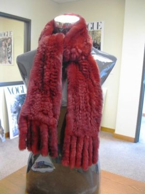 LADIES CUTE & WARM DYED BURDGUNDY REX KNIT SCARF(W-7)