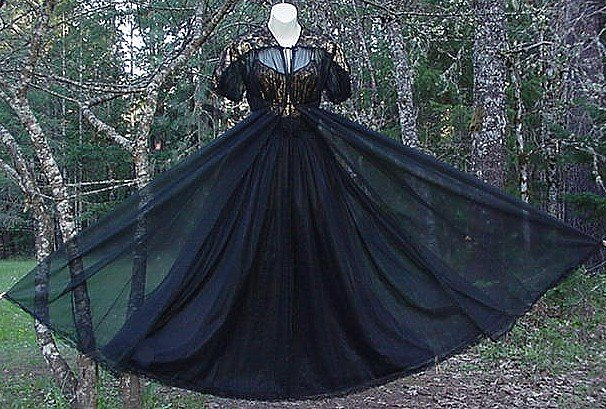 SPECTACULAR Nylon Chiffon Long -= BLACK and GOLD  =- Vintage Nightgown and Peignoir Set!