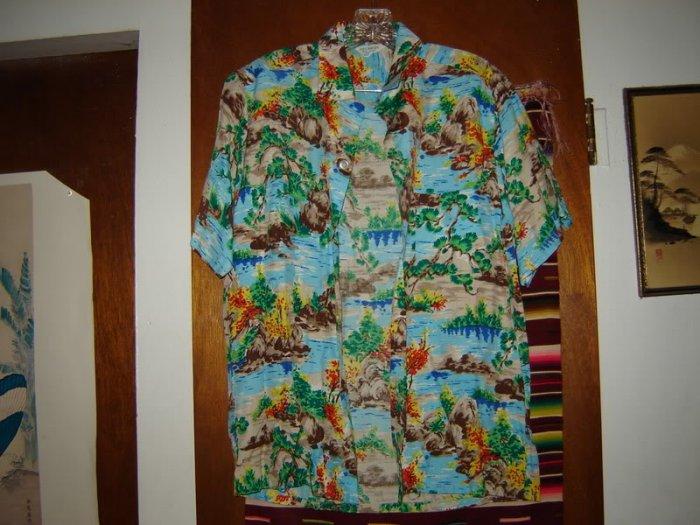 Mens Vintage Made in Japan Colorful Hawaiian Shirt S