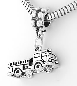 STERLING SILVER DANGLING FIRE TRUCK/ ENGINE EUROPEAN BEAD