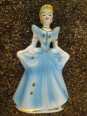 Vintage 1950-60s Walt Disney Collectible Ceramic CINDERELLA Figurine