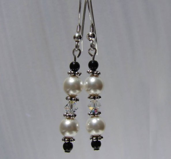 Sterling Silver Black / White Crystal and Pearl Earrings - E158