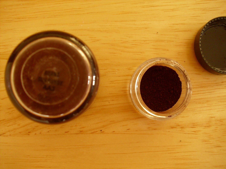 MAC Pigment Sample Burnt Burgundy