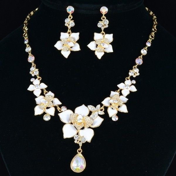 Beautiful Clear Swarovski Crystals White Flower Butterfly Necklace Earring Set