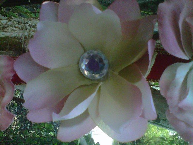 handmade  lt  pink  flower w/ rhinestone  hair clip