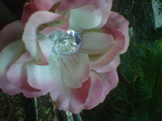 handmade  lt  pink TRIMMING  / IVORY flower w/ rhinestone  hair clip