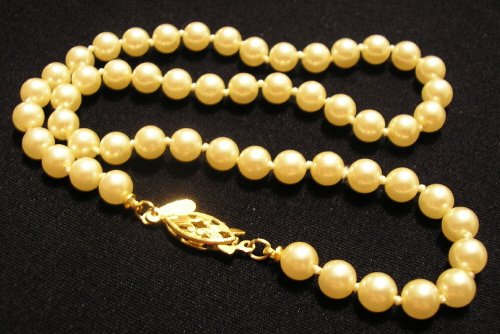 VINTAGE NAPIER STRAND OF PEARLS NECKLACE