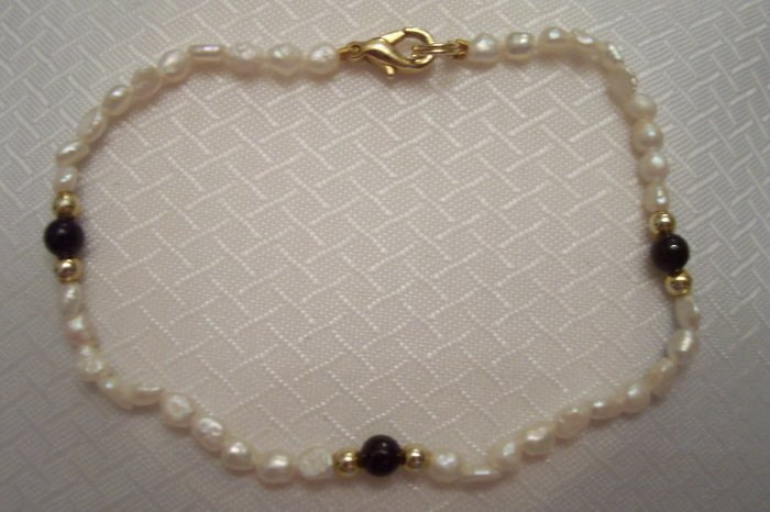 Natural Sea Pearls, Black Onyx And 14k Beads Bracelet