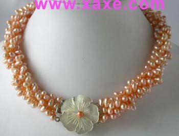 """17"""""""" 4-strands pink pearl cameo shell clasp necklace"""