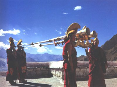 tibet artwork: Buddism temple long horn