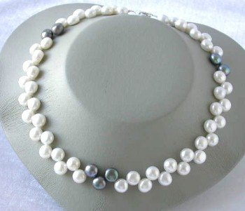 "16""""8-9mm white black floral pearl necklace"