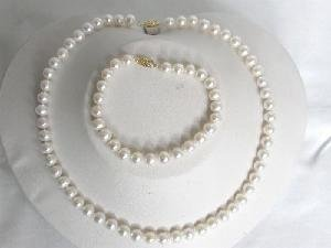"Beautiful! 16"""" 6.5-8mm AAA! round white cultured FW pearl Neckla"