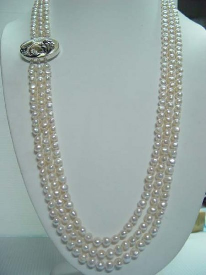 """23""""""""-25"""""""" lustrous 3rows white pearl cameo lady"""