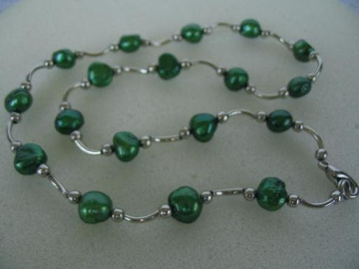"""graceful 17"""""""" green F/W pearl necklace"""