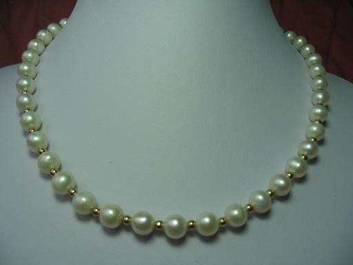 """graceful 17.5"""""""" white pearl with gild beads necklace"""