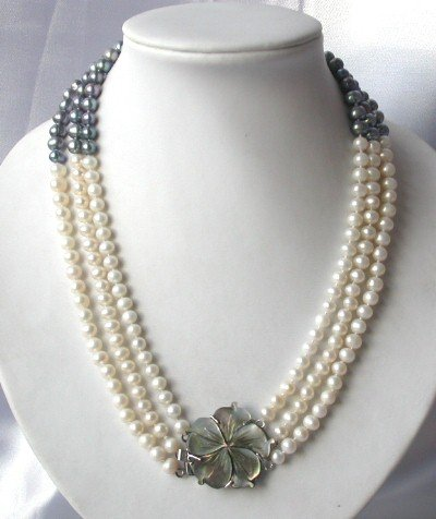 """18-20"""""""" 3-strand white /black pearl with shell clasp"""