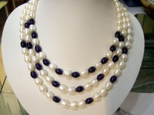 16''-18'' 3 rows white & black FW CULTURED PEARL NECKLACE
